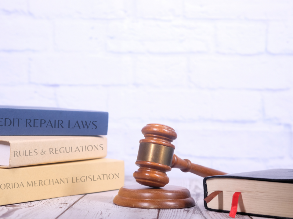 gavel and books on credit repair laws in Florida